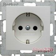 Розетка с заземлением и шторками, полярная белизна-matt, S.1 Berker 47231909